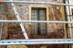 Tecnocem - Ripristino dell'intonaco di un condominio in muratura