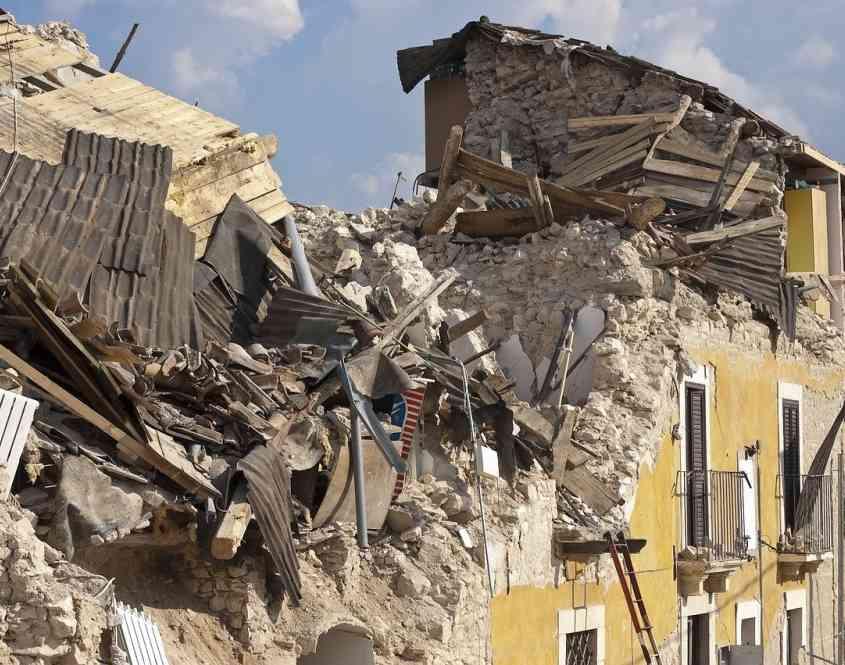 Case Di Pietra Terremoto : Terremoti se il sistema antisismico del tiene meglio di