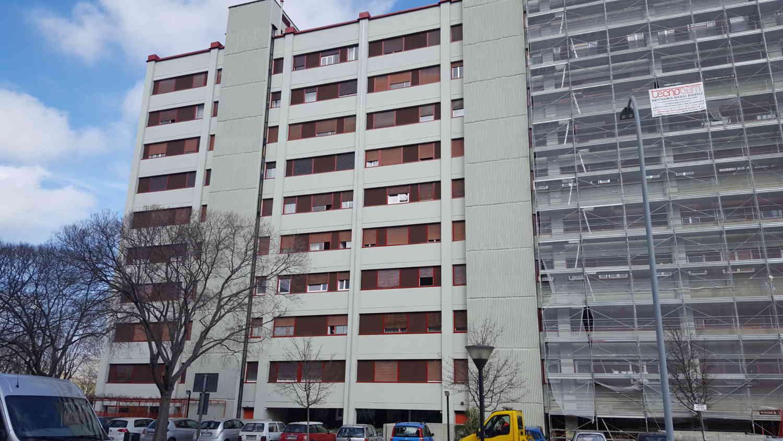 Ristrutturazione Tecnocem Condominio Via Lorenzetti Ponteggio